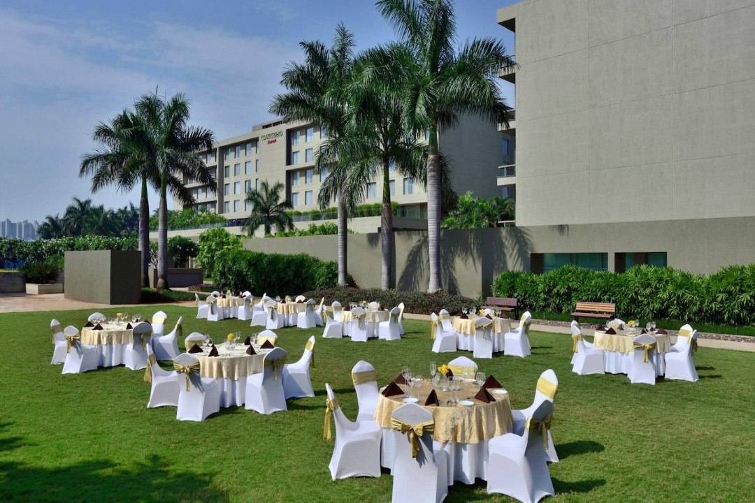 Courtyard by Marriott Pune India Courtyard Lawns 1