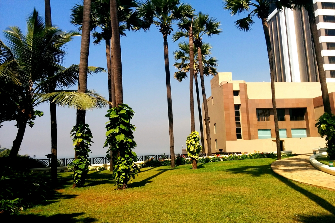 Taj Lands End Bandra Mumbai The Seaside Lawn 1