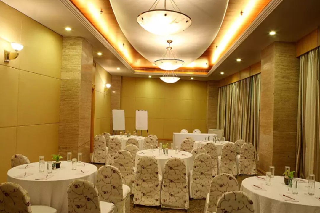 The Orchid Hotel Vileparle Mumbai Chancery 1