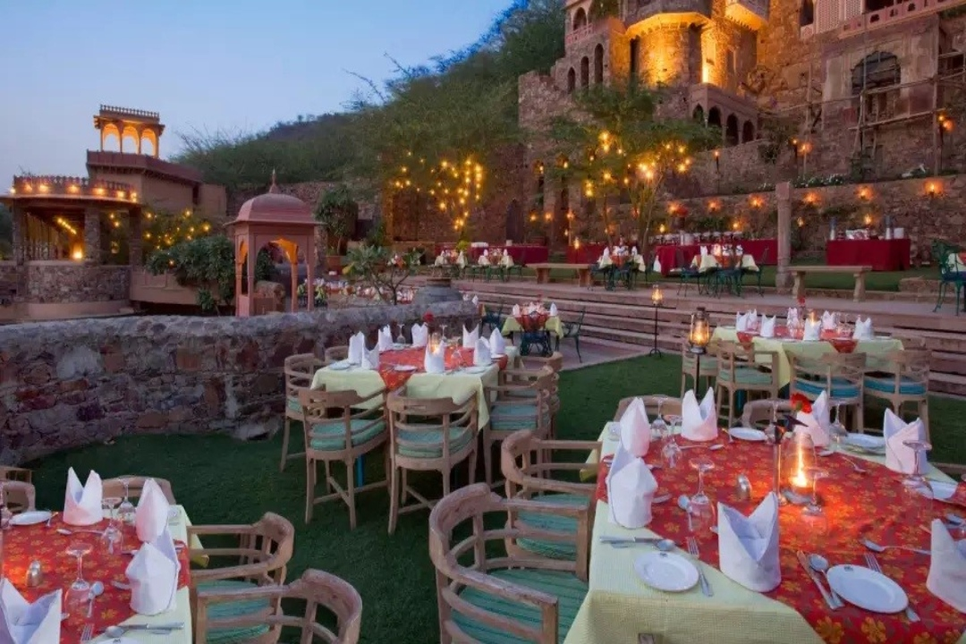 Neemrana Fort Palace Rajasthan India Garden 2