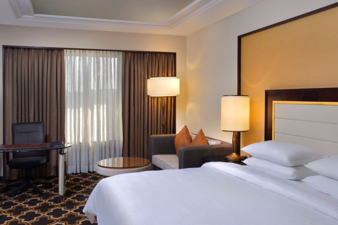 Sheraton Grand Pune Bund Garden Hotel Pune India Sheraton Club Room 1