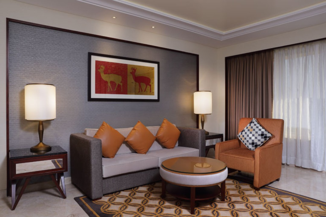 Sheraton Grand Pune Bund Garden Hotel Pune India Executive Suite Living Room 1
