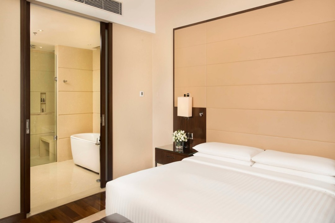 Kochi Marriott Hotel Kerala India Club Suite 1