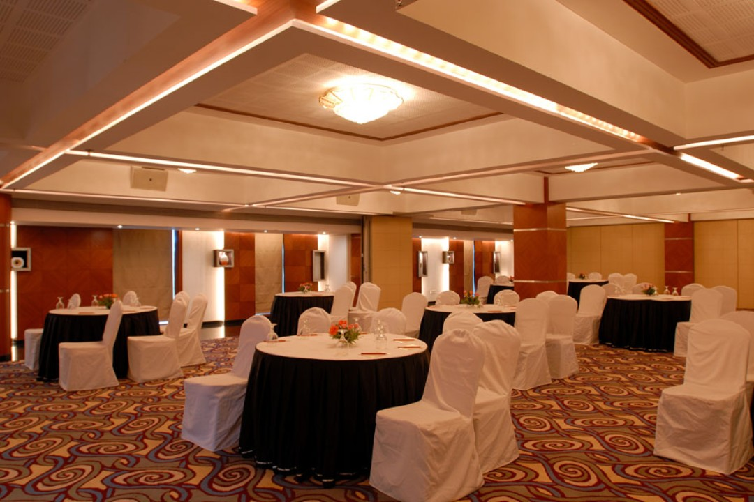 The Peninsula Grand Hotel Andheri East mumbai Concorde Full 2