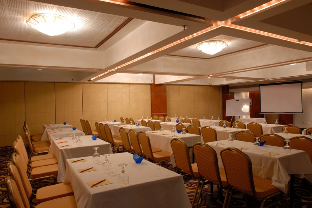 The Peninsula Grand Hotel Andheri East mumbai Concorde Full 3